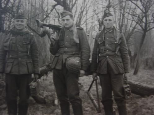 Πολυβολητές του του 125ου Συντάγματος σε βουλγαρικό δάσος ετοιμάζονται για τη επίθεση κατά του Ρούπελ