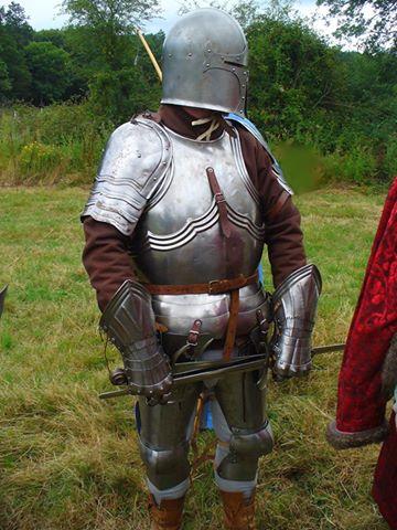 """Αναπαράσταση ιπποτη του τελους του 14ου αι. Ευγενική παραχώρηση: Credit : """"Wolfshead Bowmen"""" England/UK"""