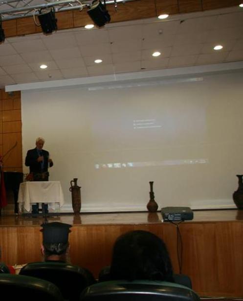 Ο Πρόεδρος του Σλυλλόγου Λαπίθες Κος Θ. Σδρούλιας σε παρουσίαση στα Φάρσαλα